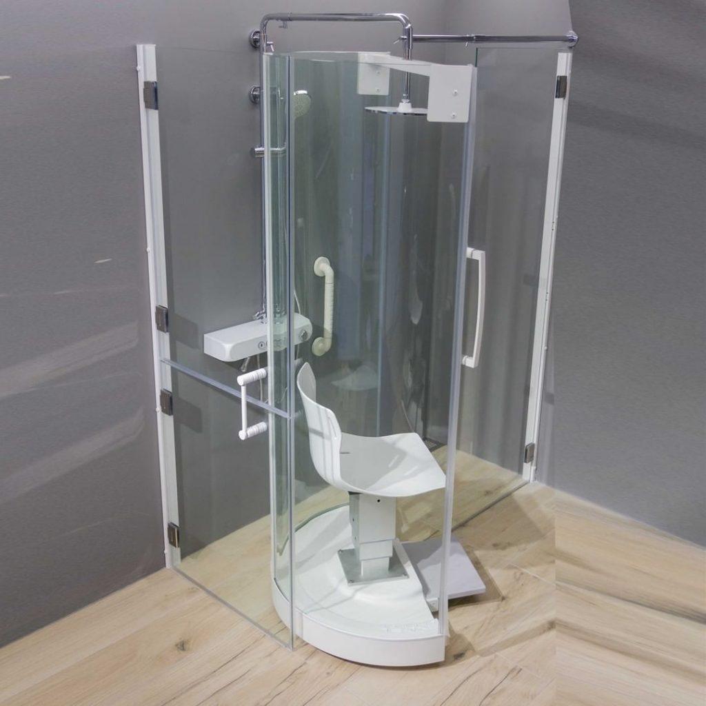 baño accesible con ducha para personas con movilidad reducida